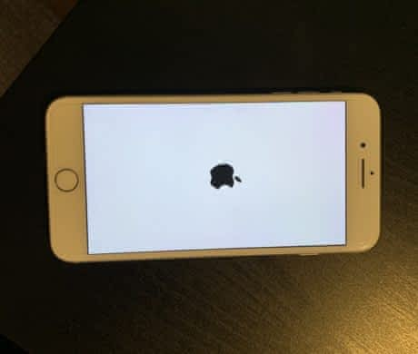 Prodám rok a půl starý iPhone 7+ 72gb