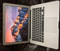 """Téměř nový MacBook Air 13"""" (2015)"""