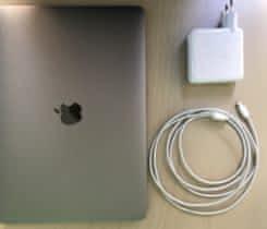 Macbook PRO 2016; 13 inch,256 gb + dárek