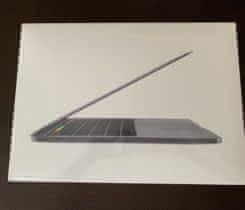 MacBook Pro 13 – inch narozbaleno