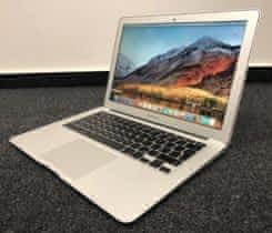"Apple MacBook Air 13"" 2015; 8 GB RAM"