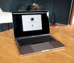 "Macbook Pro 13"" 2016, touchbar, 500gb SS"
