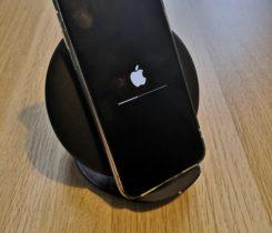 Prodám iPhone X 64 GB , příslušenství