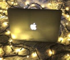 Macbook Pro s RETINA displejem