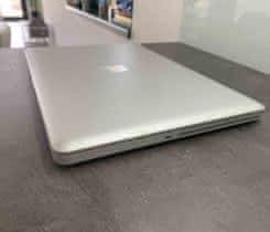 """Macbook PRO 17"""" Retina – plně funkční"""