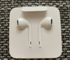 nová sluchátka EarPods