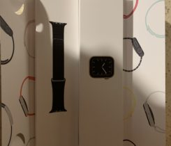 Apple Watch 5 Stainless Steel Gold
