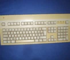 P: ADB klavesnici z PPC 9500 – bez snury