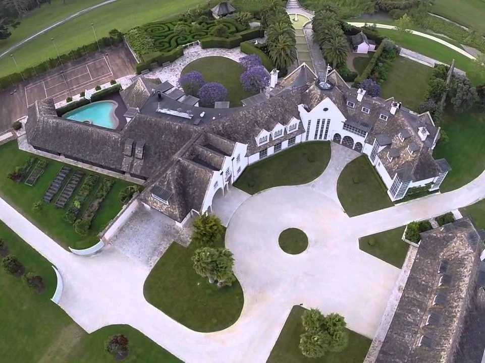 kim-dotcom-mansion-in-new-zealand