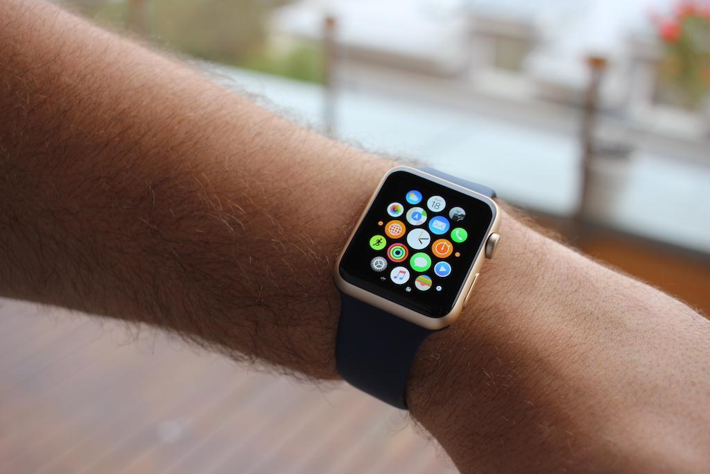 Apple Watch  koupil jsme si své nejlevnější hodinky 258178c631