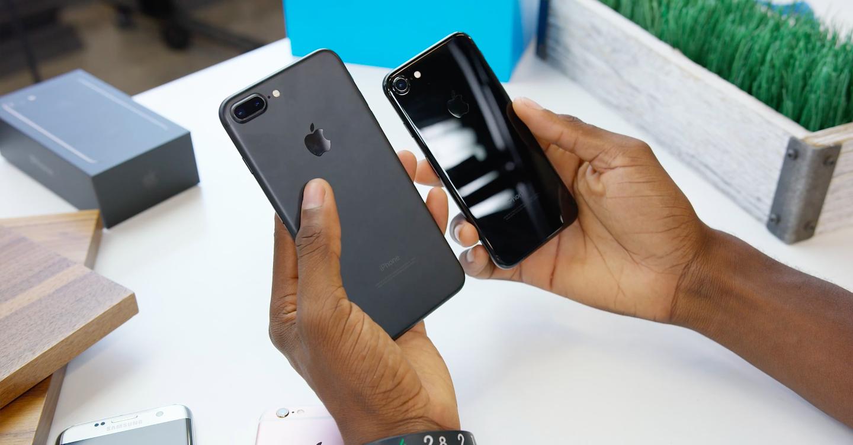 iphone-7-jet-black-vs-black-fb