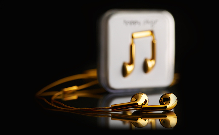 happy-plugs-earbud-18-carat-gold-2