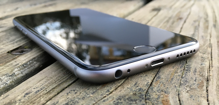 iPhone 6s Lightning jack