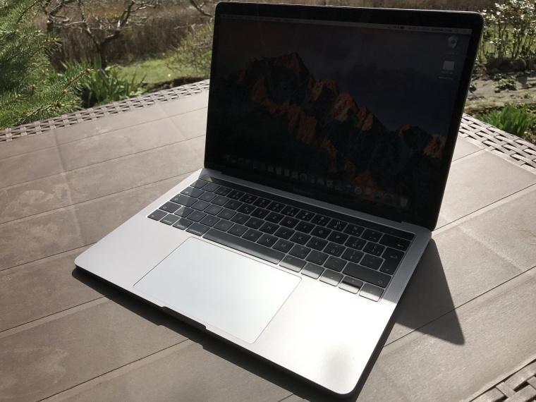 macbook pro (11)