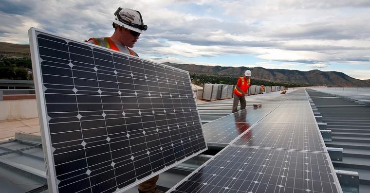 solarni panely fb