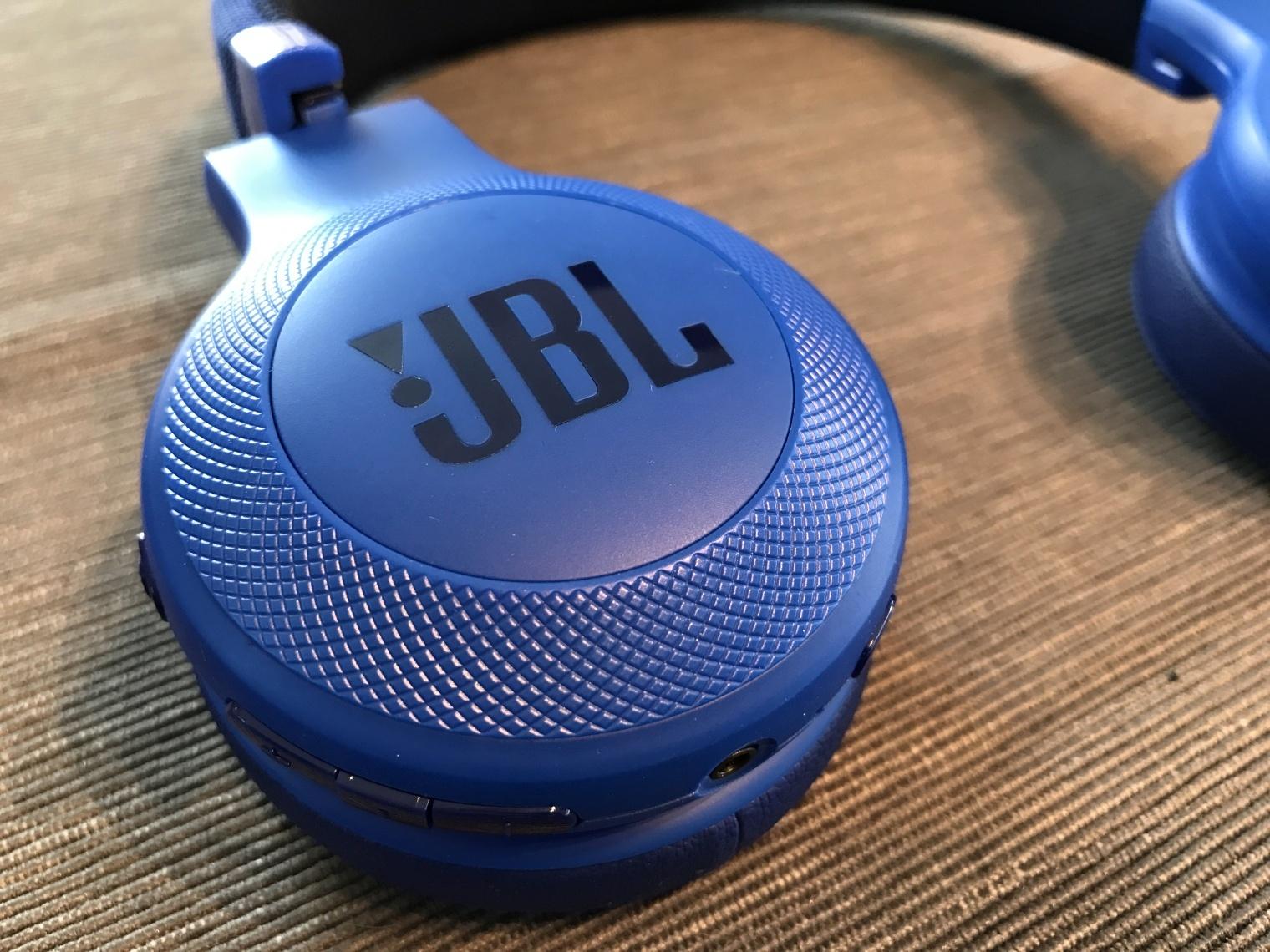 JBL E45BT (2)