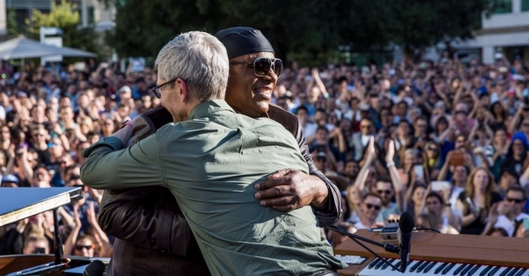 tim-cook-stevie-wonder