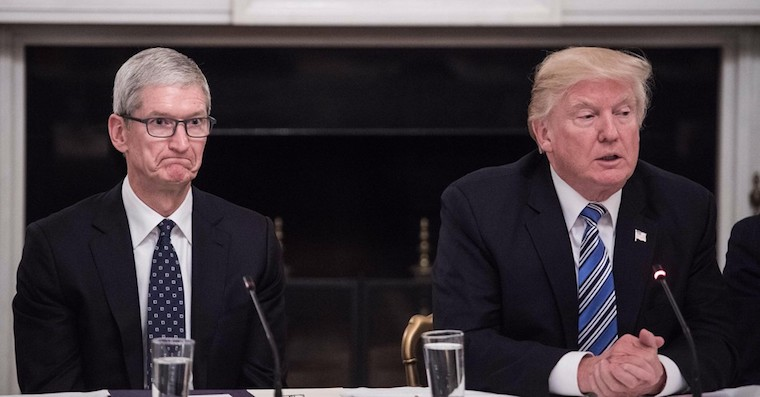 Tim Cook face Donald Trump FB