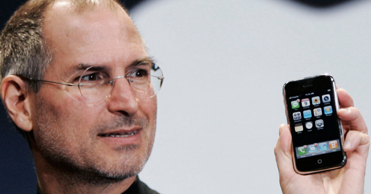 steve-jobs-iphone-first-generation-fb