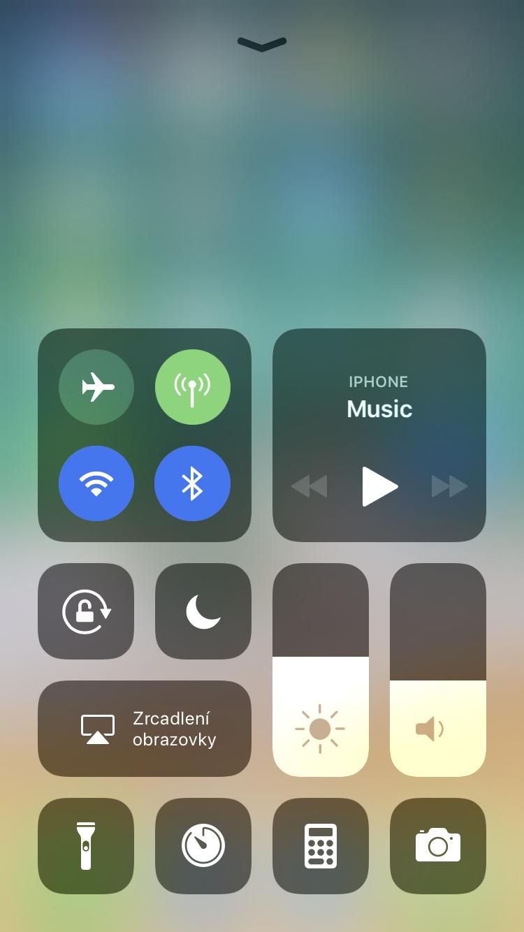 Wi-Fi Bluetooth iOS 11 ovladaci centrum 1