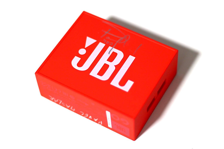 sout te s jbl jump fest o repr ek jbl go podepsan. Black Bedroom Furniture Sets. Home Design Ideas