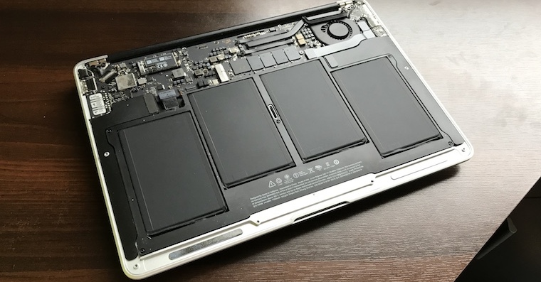 Jak vymenit baterii MacBook Air FB