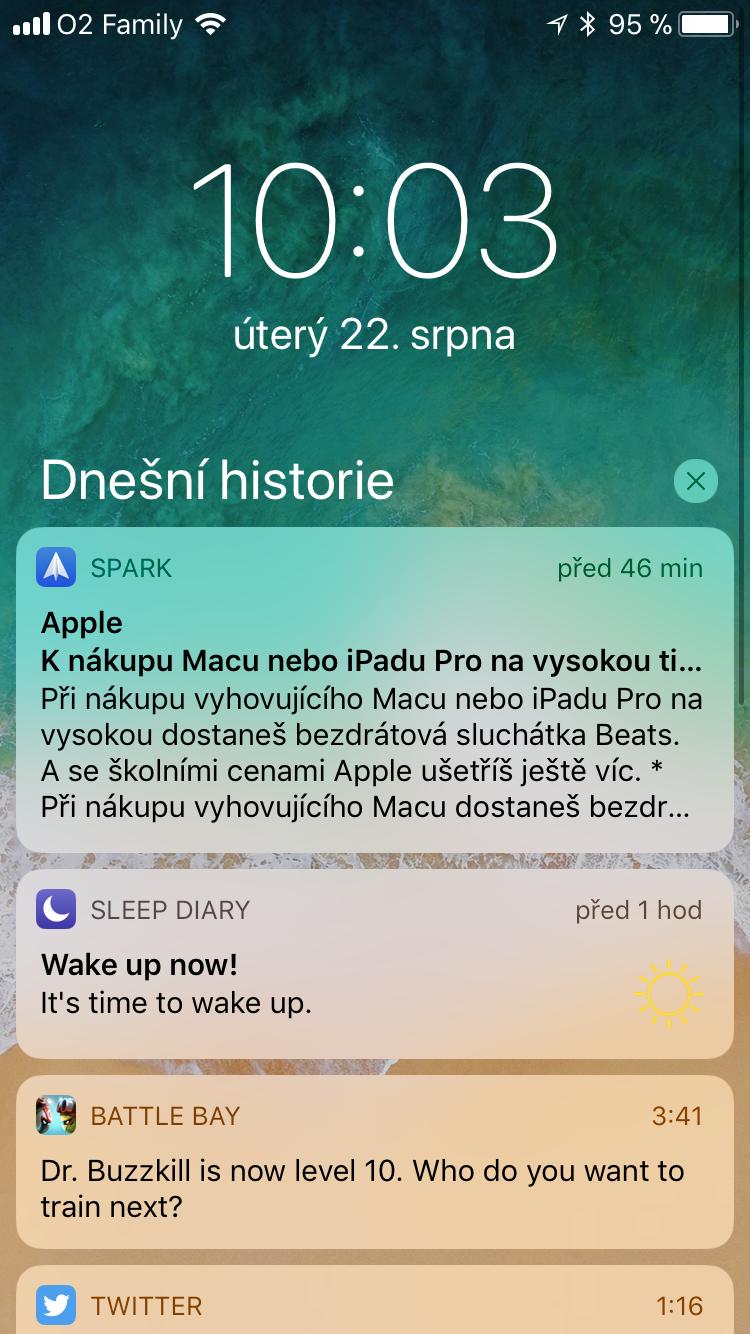 Při skrolování notifikacemi se na pravé straně nově zobrazí indikátor