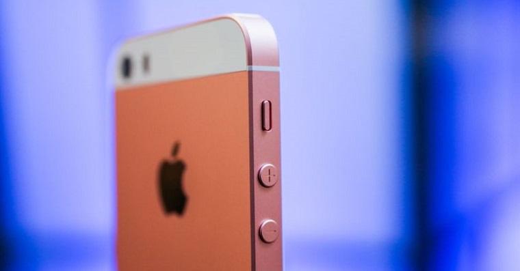 iPhone SE fb