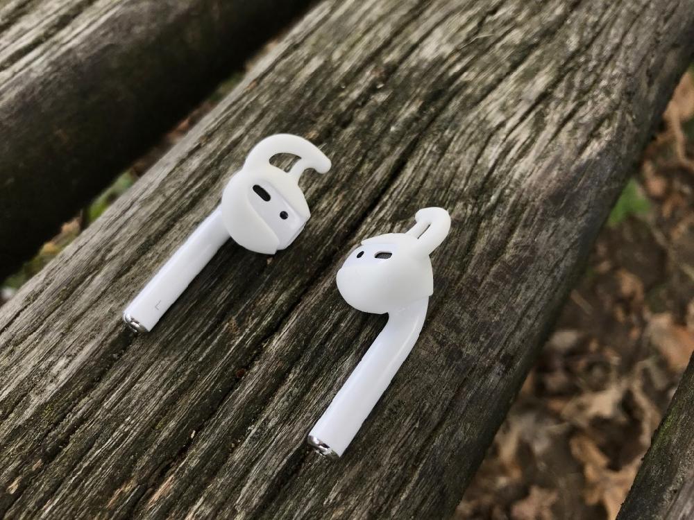 Spigen AirPods Earhooks 3