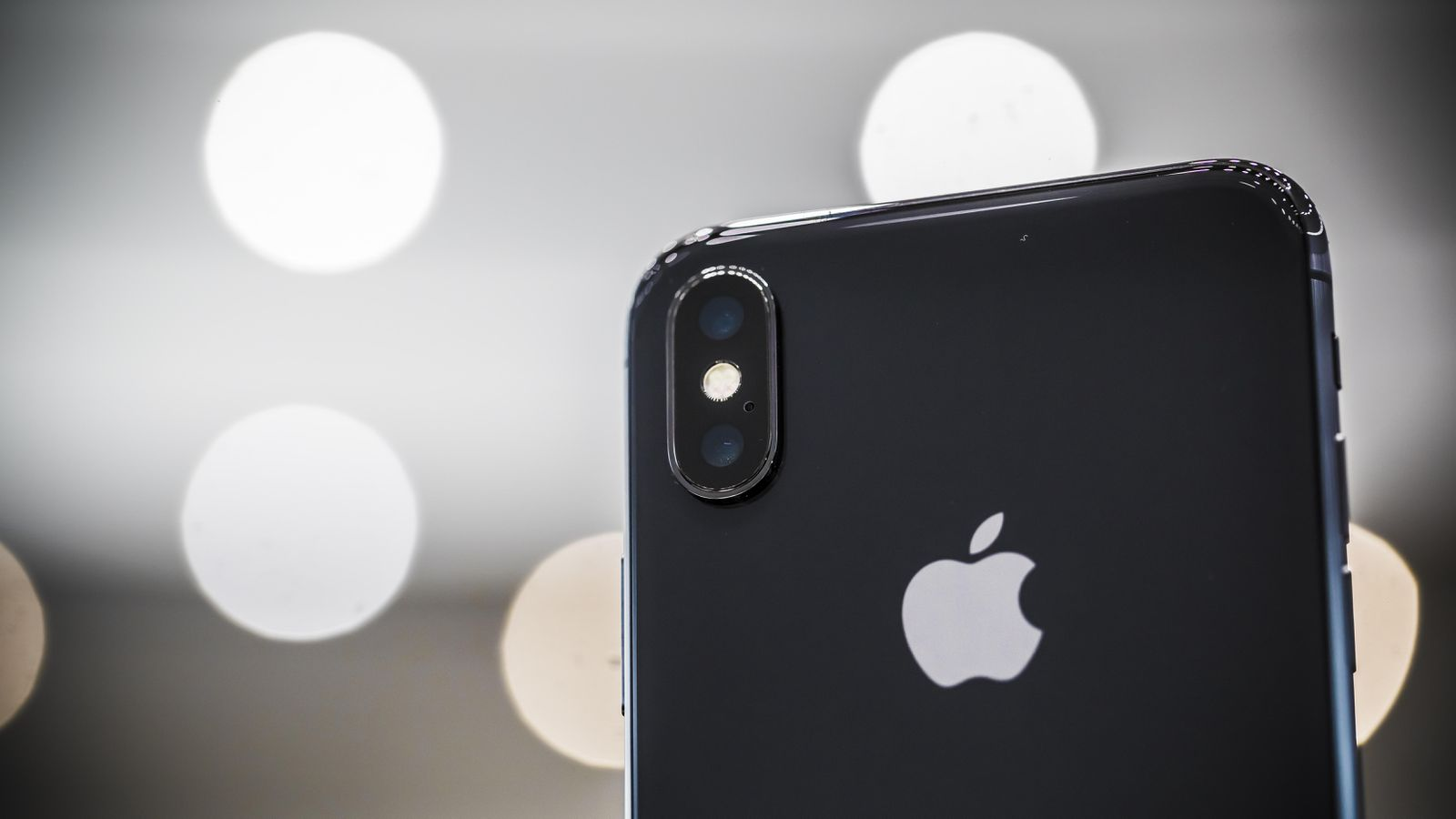 iPhone X hands-on 11