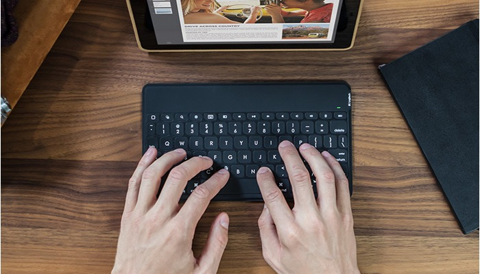 Key-to-go—Portable-Keyboard-for-all-iPads—Logitech5