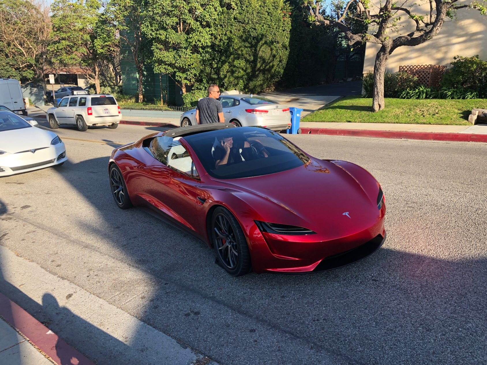 Tesla roadster street 3