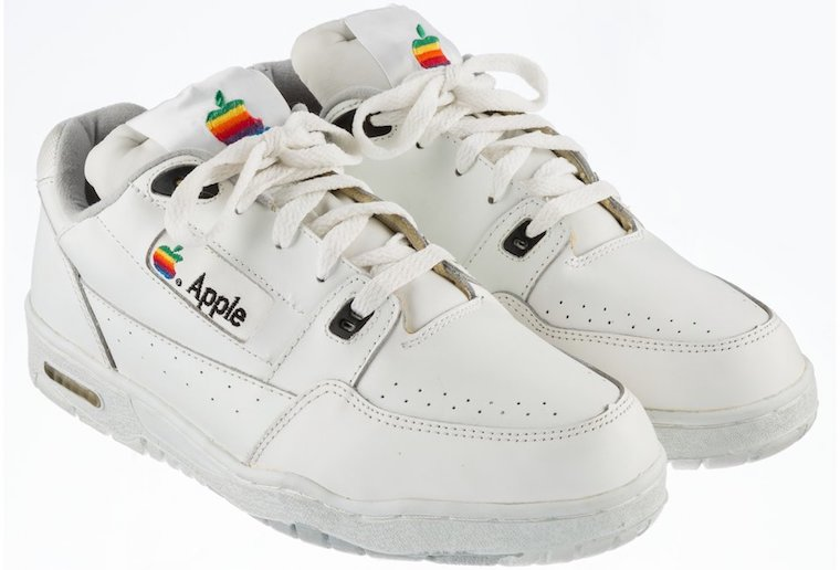 Apple Sneakers fb