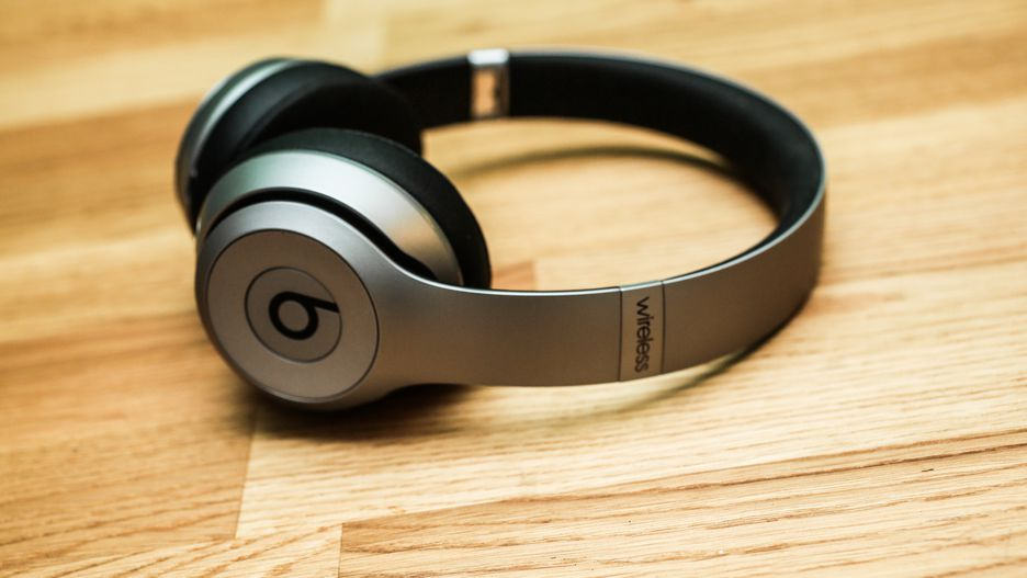 Beats 2 Solo Space Gray zdroj Cnet