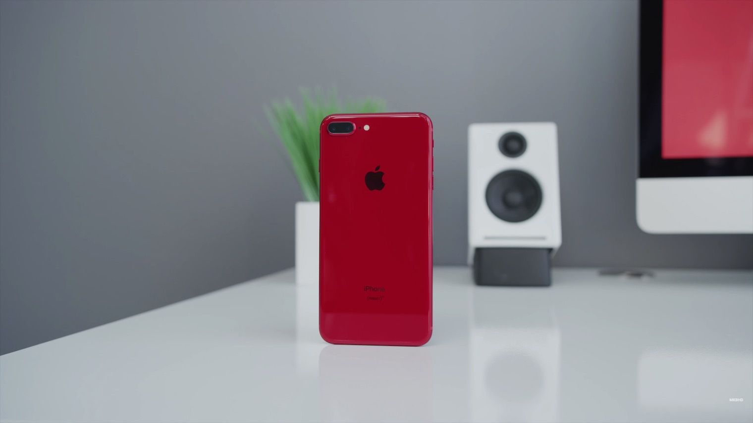 iPhone8 Plus PRODUCT RED unboxing 12