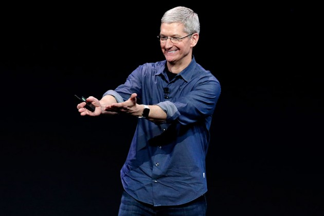 tim-cook-apple-watch