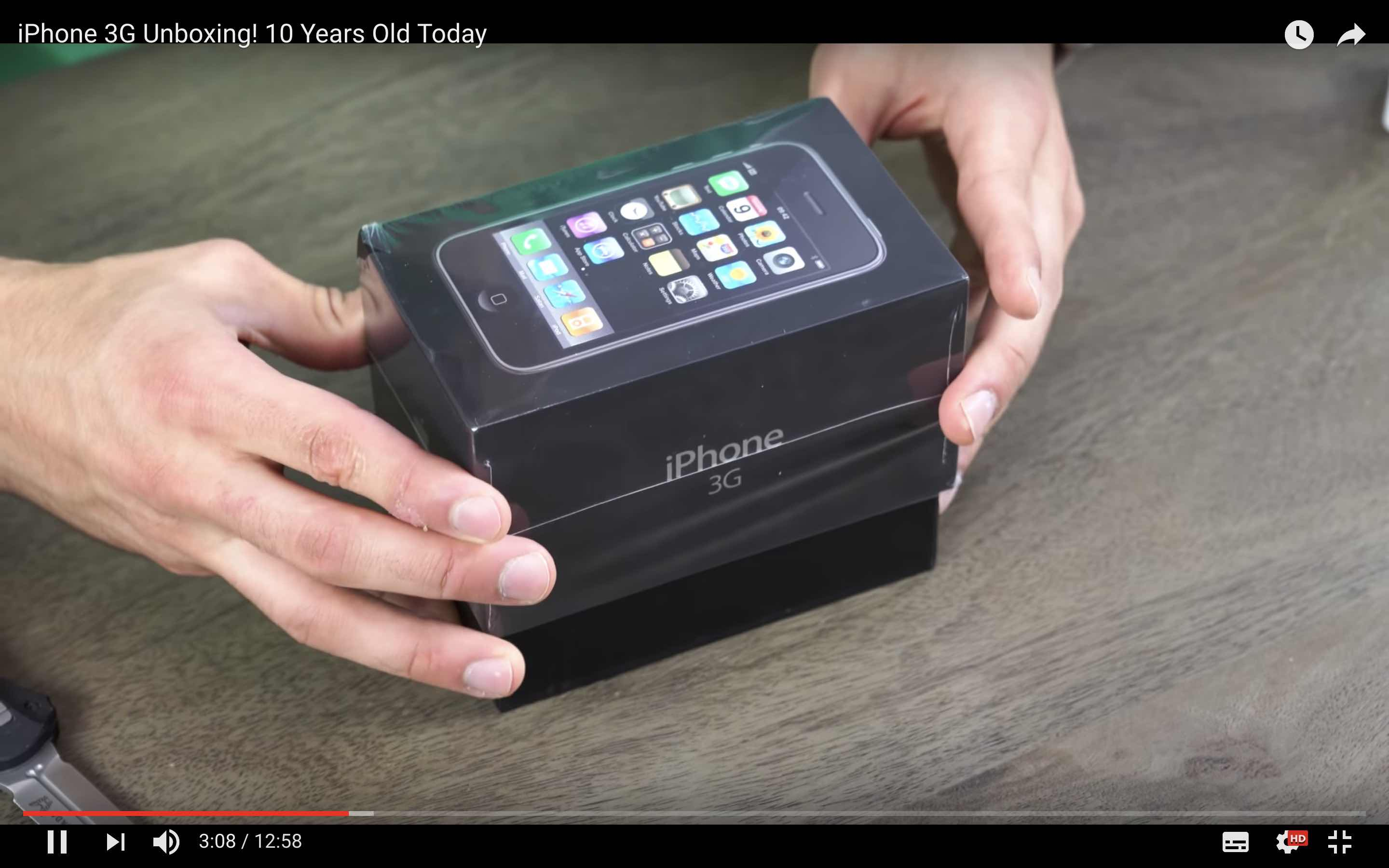 iPhone 3G unboxing 2