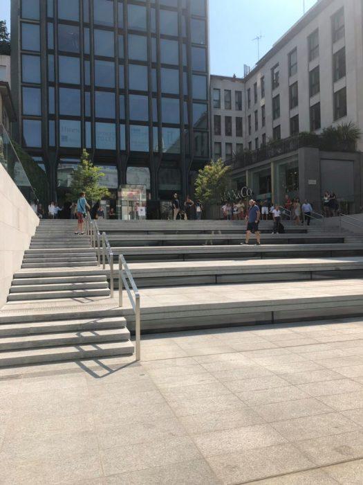 PiazzaLibertyOutside9to5_4