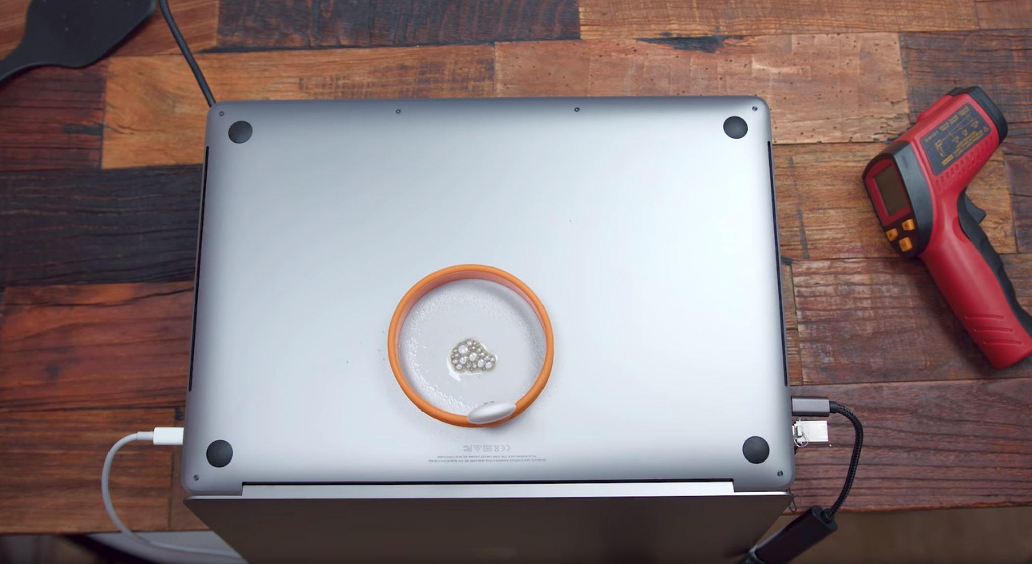 macbook teplota 2