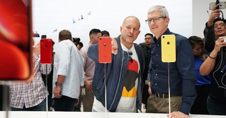 Apple-keynote-Tim-Cook-and-Jony-Ive-iPhone-XR-fb