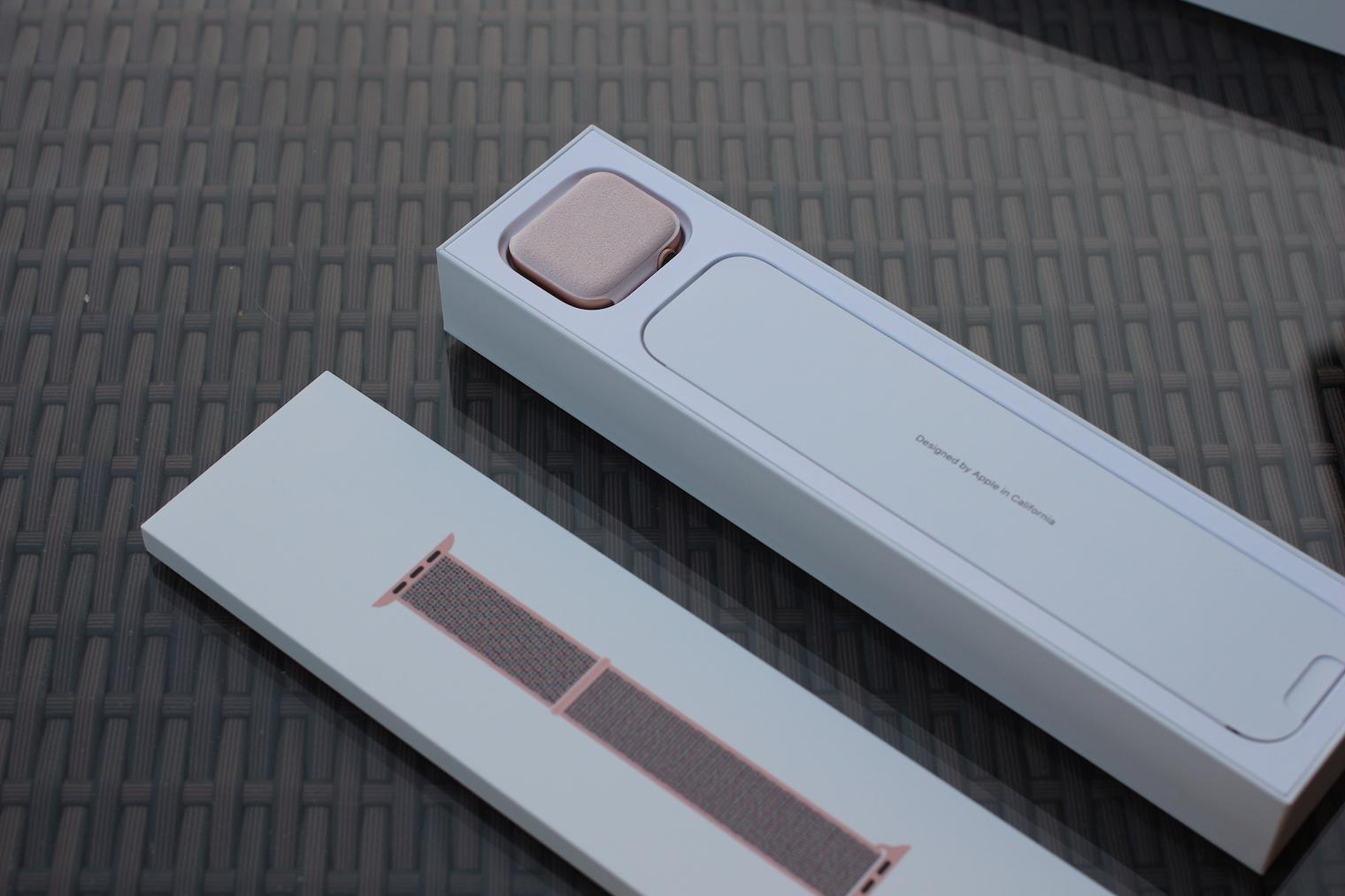 Apple watch series 4 box