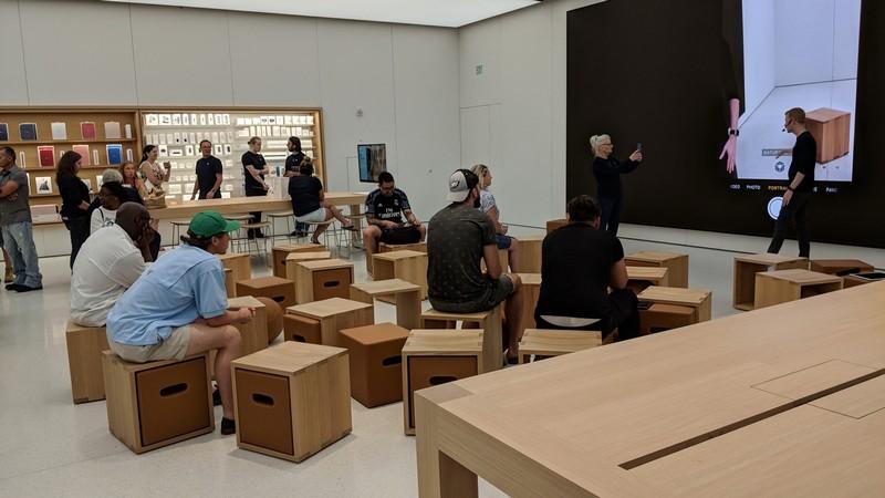 CLT-Apple-Store-1.