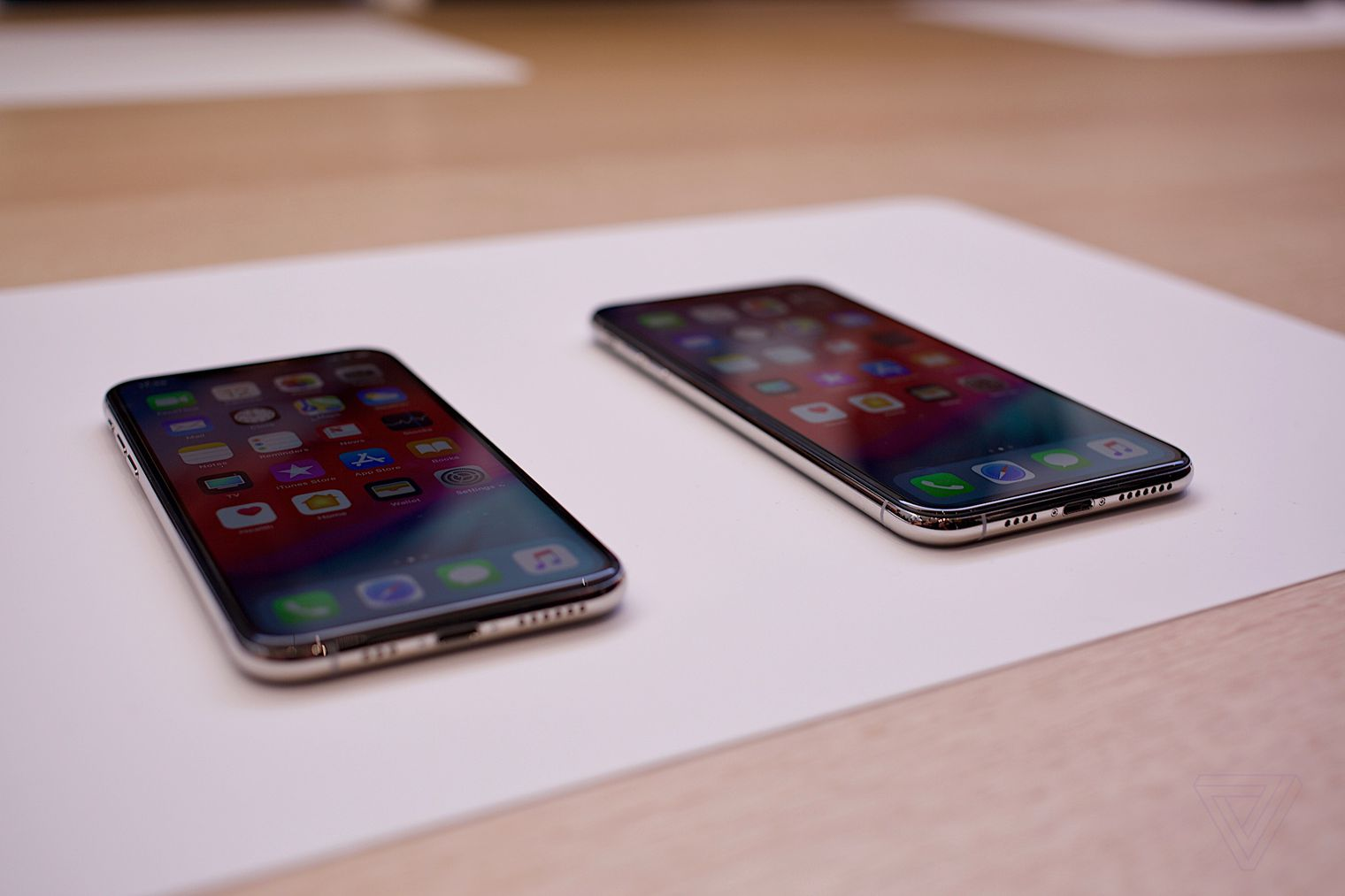 iphone xs hands on 10