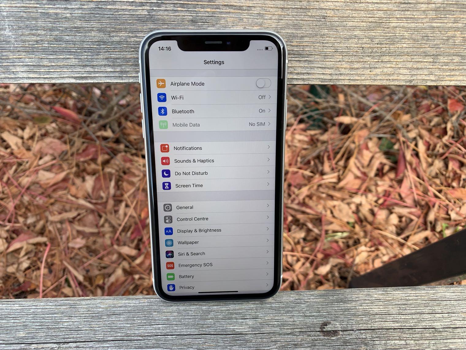 iPhone XR displej lsa 2