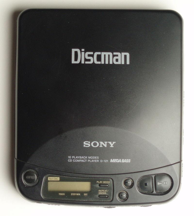 800px-Discman_D121