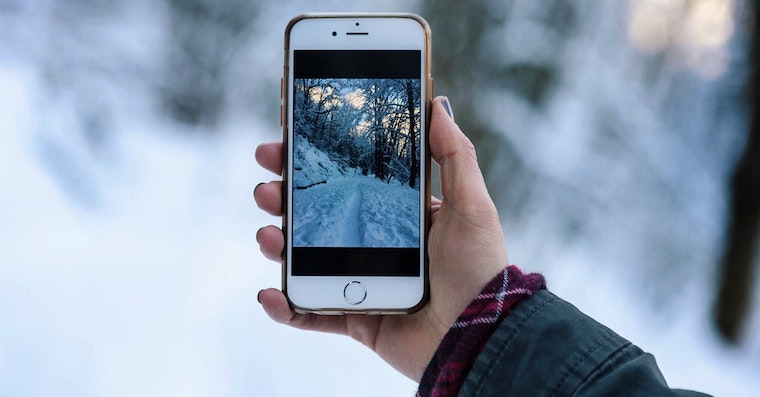 iPhone winter Unsplash fb