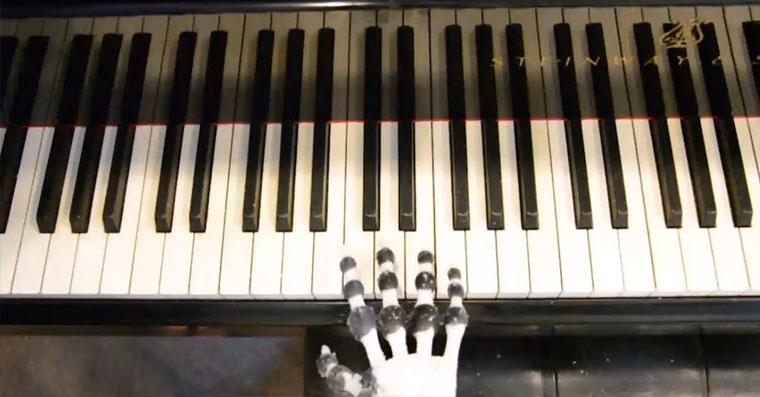 roboticka ruka fb