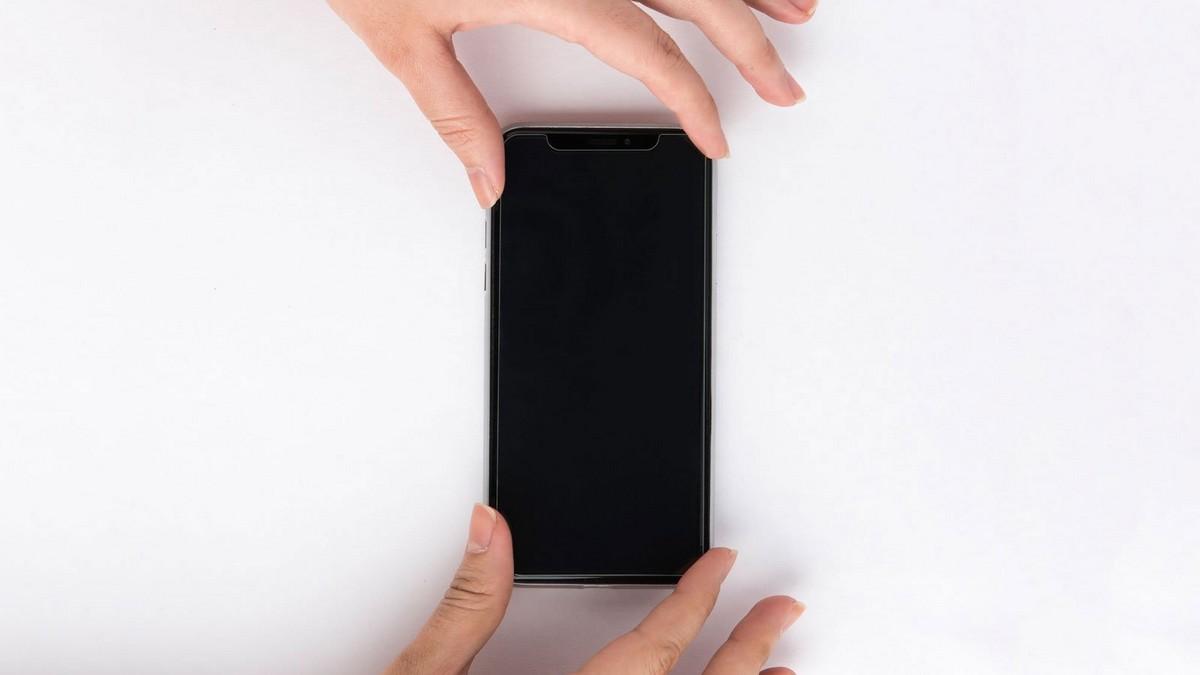 iphone-jak-nalepit-tvrzene-sklo-lepeni