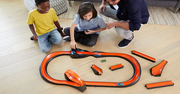 apple-store-hot-wheels-fb