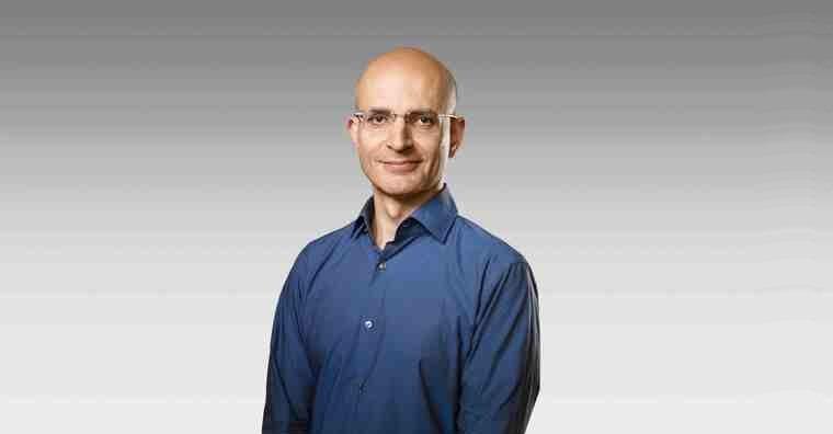 Sabbih Khan nova posila Apple